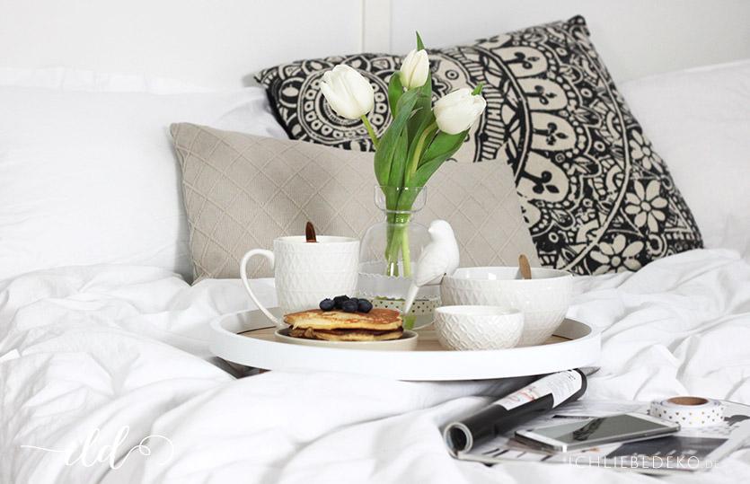 Gemütliches Frühstück im Bett & Homemade Pancakes