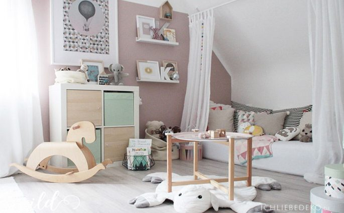 bb kinderzimmer in pastellfarben. Black Bedroom Furniture Sets. Home Design Ideas