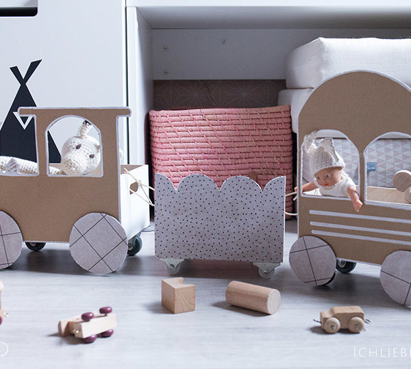 kinderzimmerdeko selbstgemachtes babymobile ich liebe deko. Black Bedroom Furniture Sets. Home Design Ideas