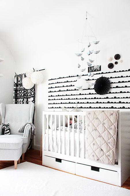 Babyzimmer-mit-Stuva-im-Schwarz-Weiß-Look