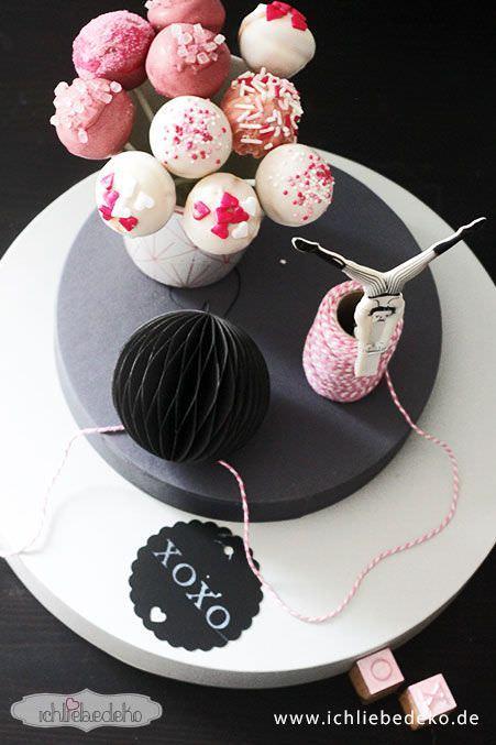 Cakepops-mit-Herzdeko