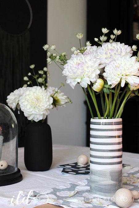 Dahlien-als-Tischdekoration