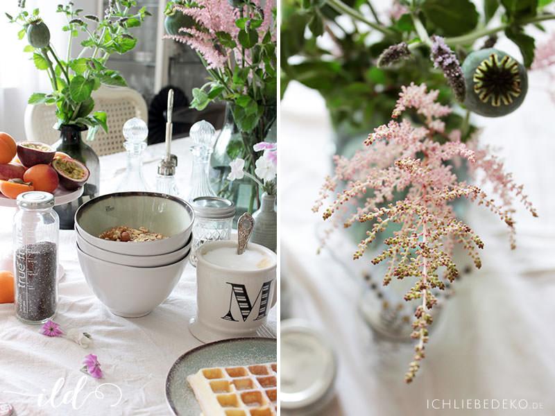 Frühstückstisch-im-frischen-Sommerlook