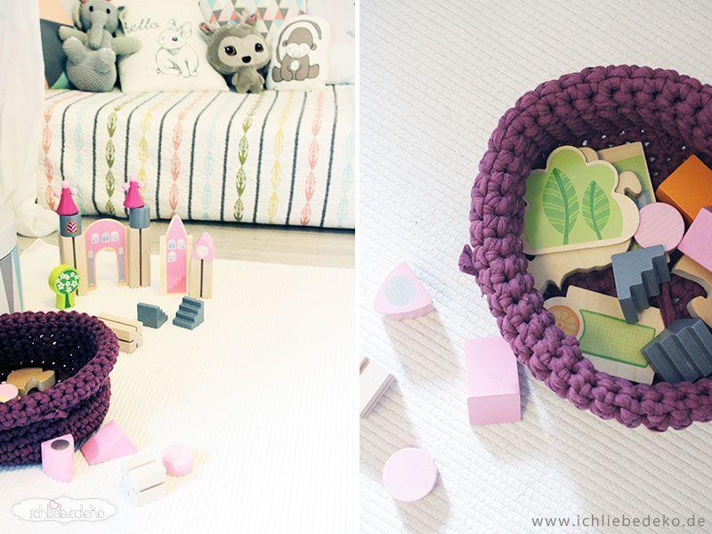 Holzspielzeug-in-Pastellfarben
