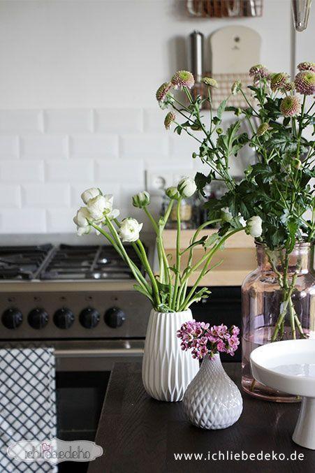 Küchendeko-mit-frischen-Blumen