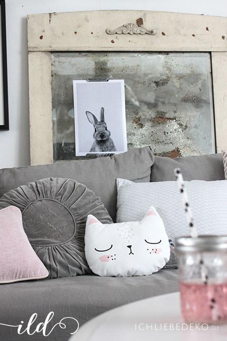 Kissenparade-im-Wohnzimmer