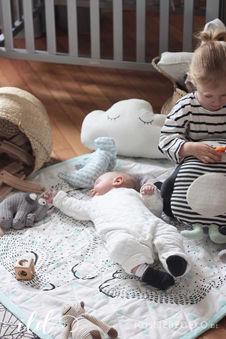 Kuschelzone-für-Kinder-auf-dem-Boden