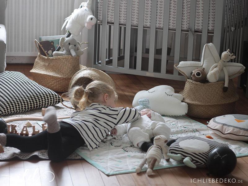 Leben-mit-Kindern-im-Wohnzimmer