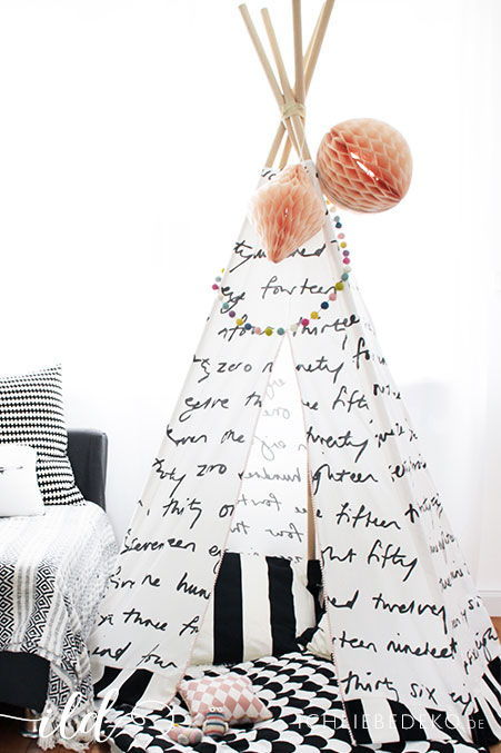 wohnen mit kindern ein diy tipi als spielecke im. Black Bedroom Furniture Sets. Home Design Ideas