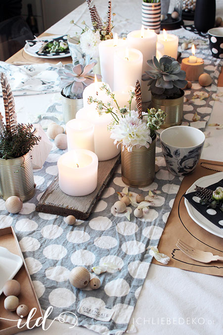 Tischdeko-in-Grau--und-Holztönen