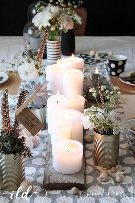 Tischdeko-mit-vielen-Kerzen
