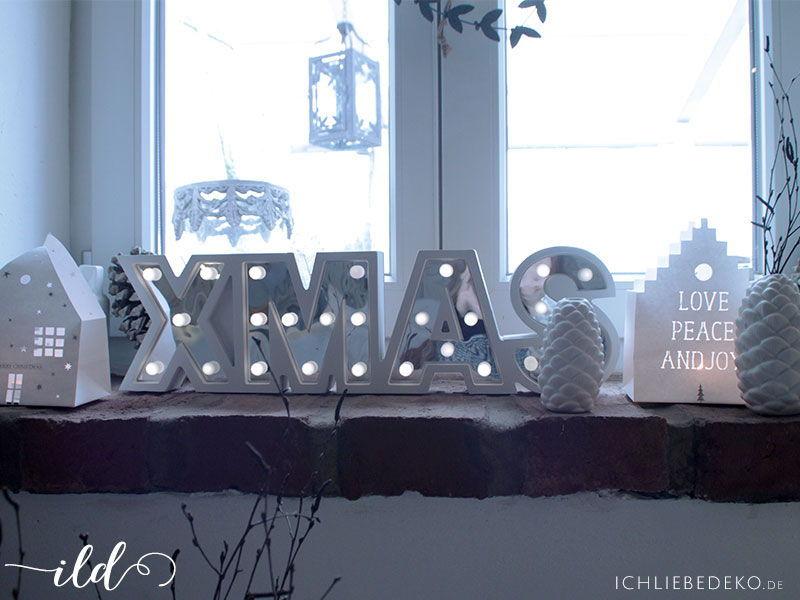 Weihnachtsdekoration-in-Weiß