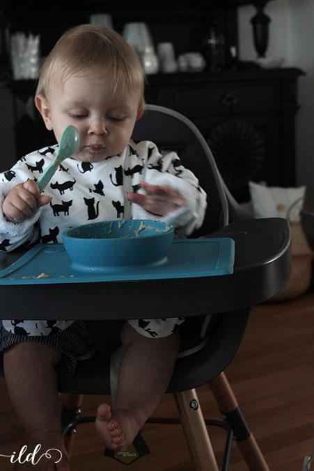baby-kann-auch-alleine-brei-essen
