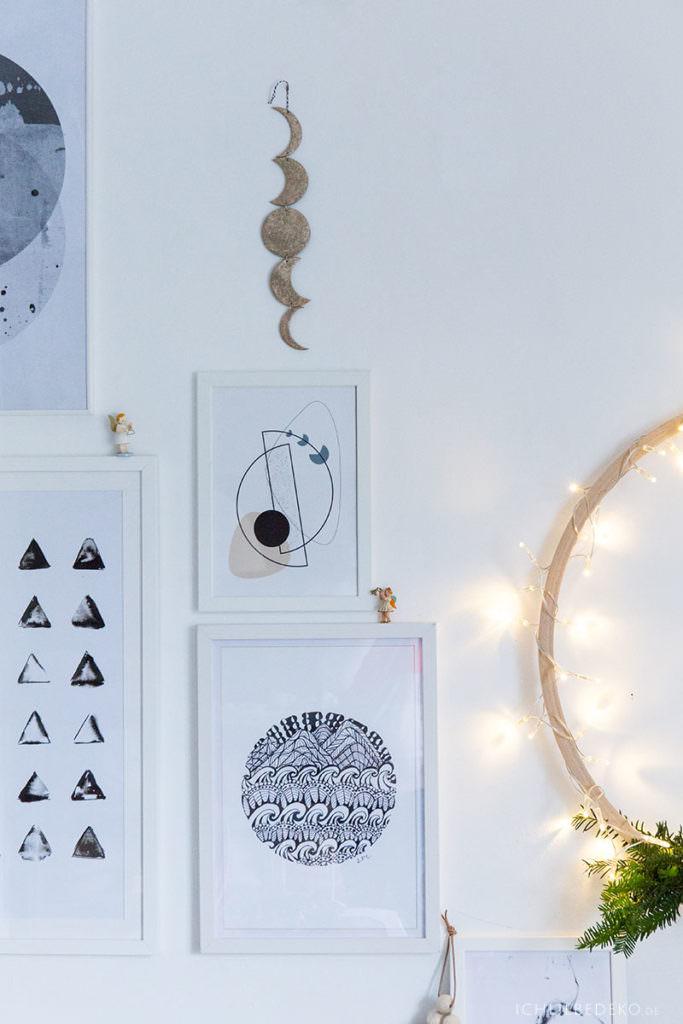 Bildergalerie mit Weihnachtsengeln und Lichterkranz