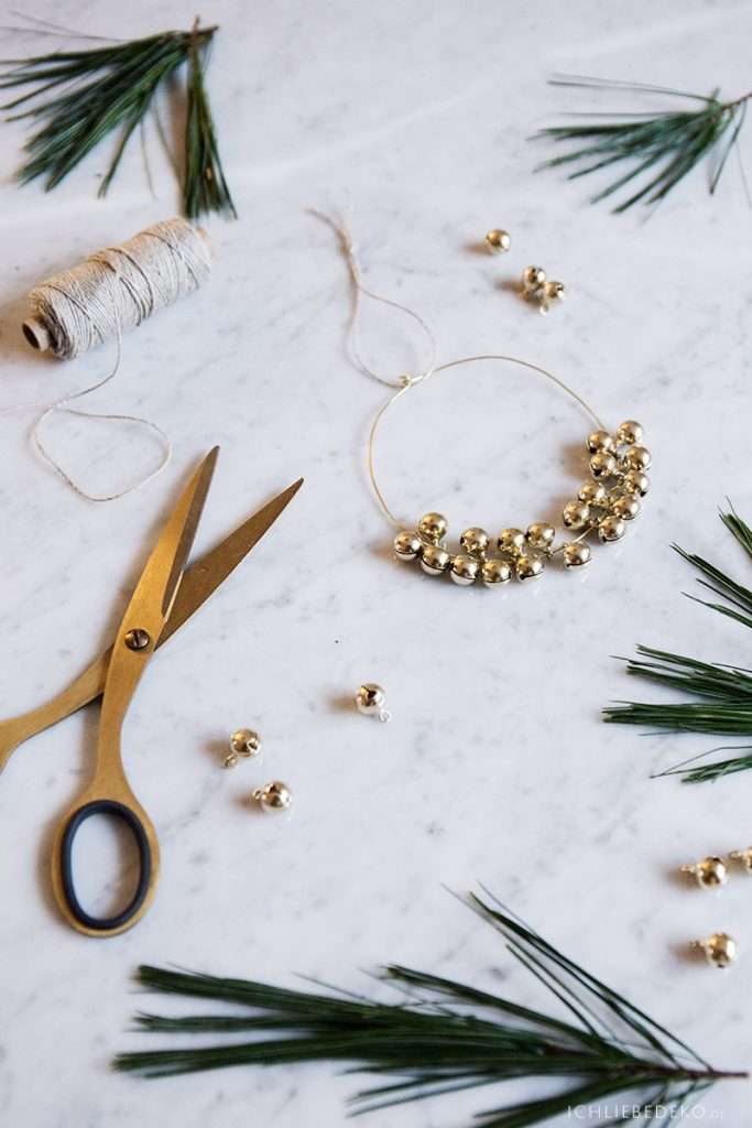 DIY Christbaumschmuck in Gold