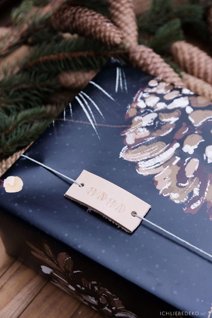 diy Geschenkanhänger für Weihnachten aus Leder