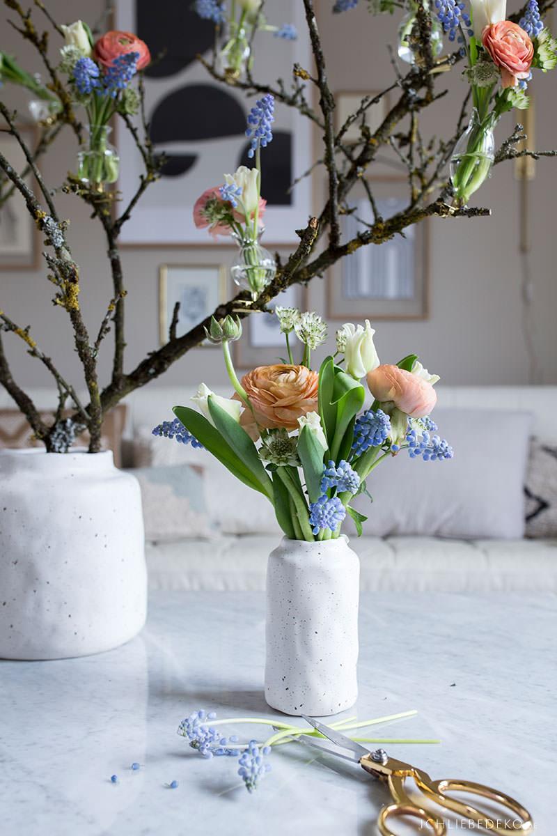 fruehlingsblumenstrauss