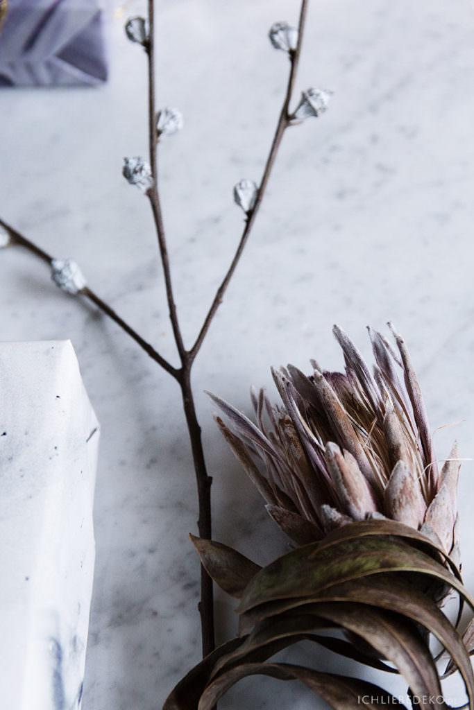 getrockneter Eukalyptus und Protea