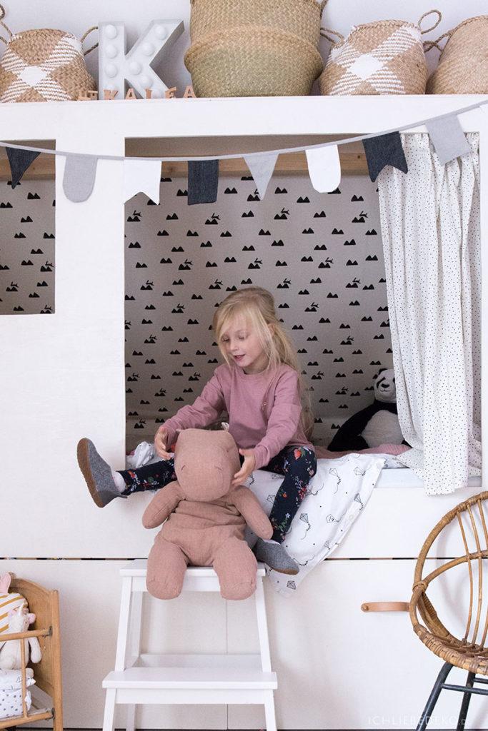 großes-maileg-nilpferd-im-kinderzimmer