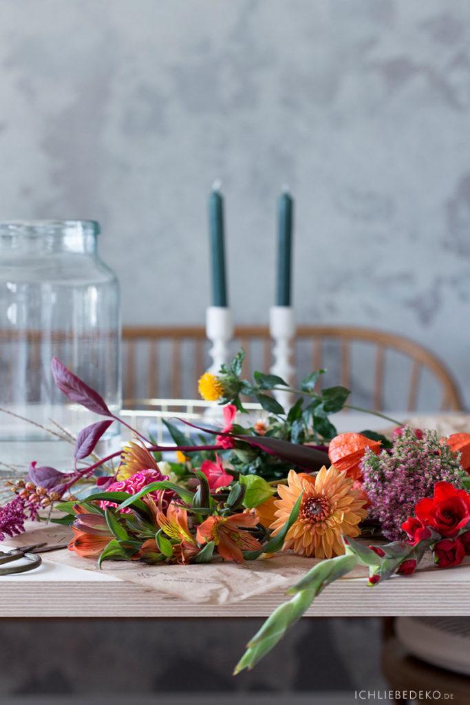 herbstblumen-als-dekoration-zuhause