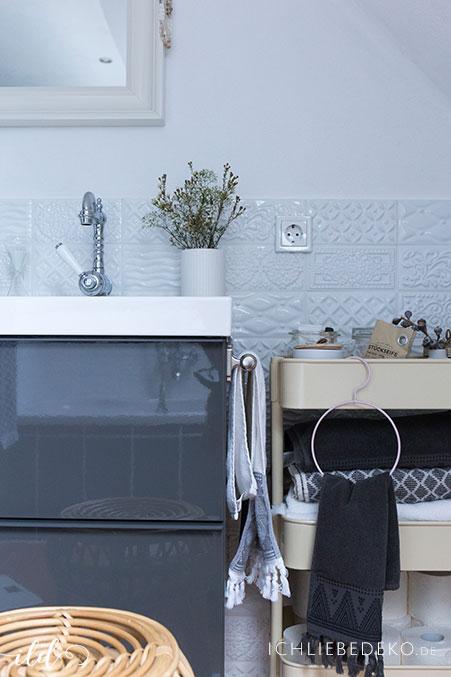 hyggeliges-badezimmer-im-nordic-look