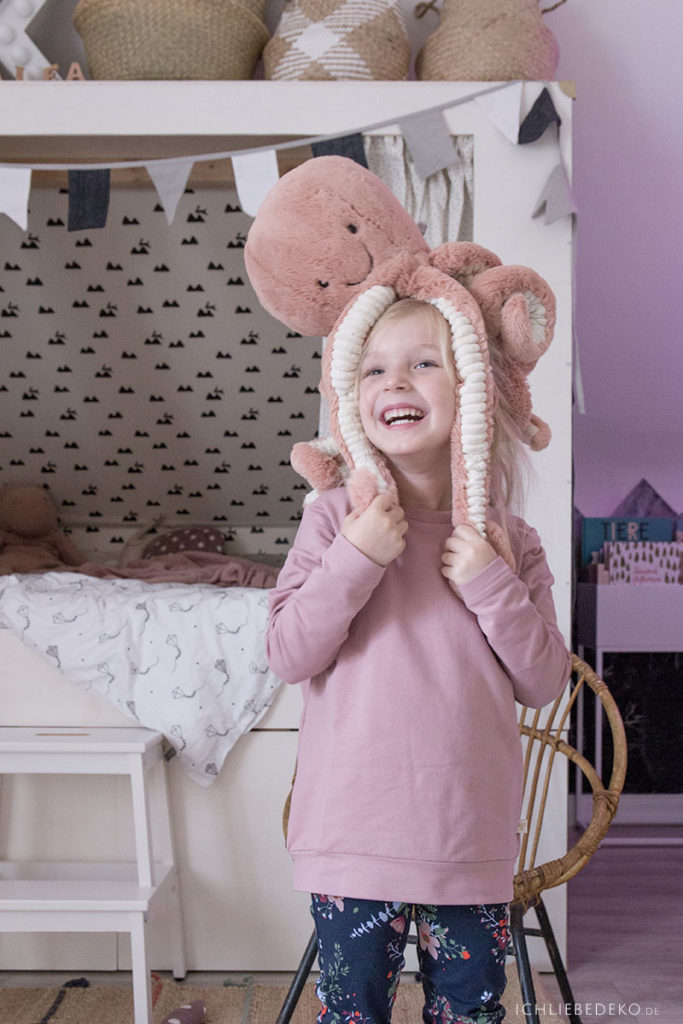 jelly-cat-krake-als-spielgefaehrte-im-kinderzimmer
