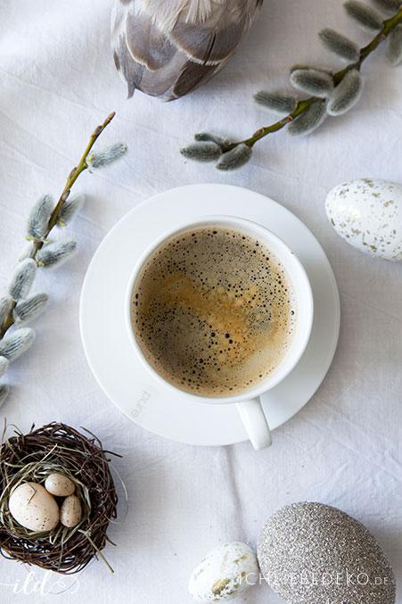 kaffeetafel-fuer-ostern-im-natural-look