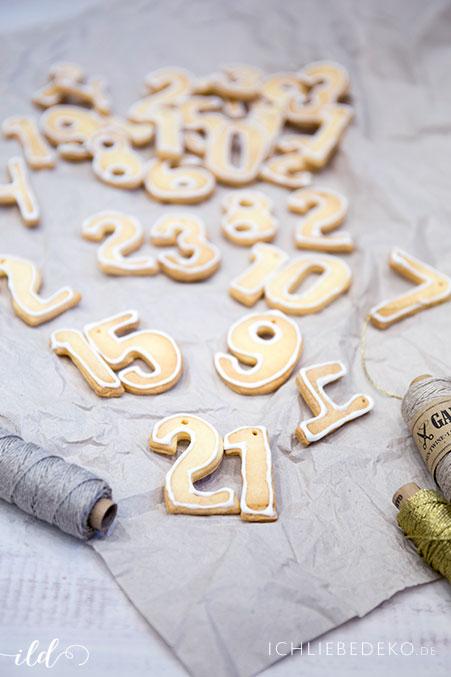 selbtgemachte Kekse als Adventskalender Nummern