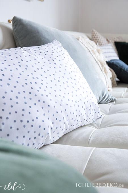 kissen-fuers-wohnzimmer-in-frischen-farben