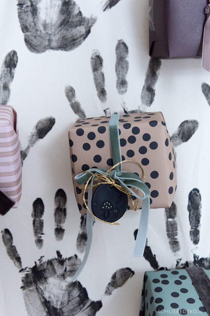 kleine-geschenke-fuer-adventskalender-mit-papier-von-ava-und-ives