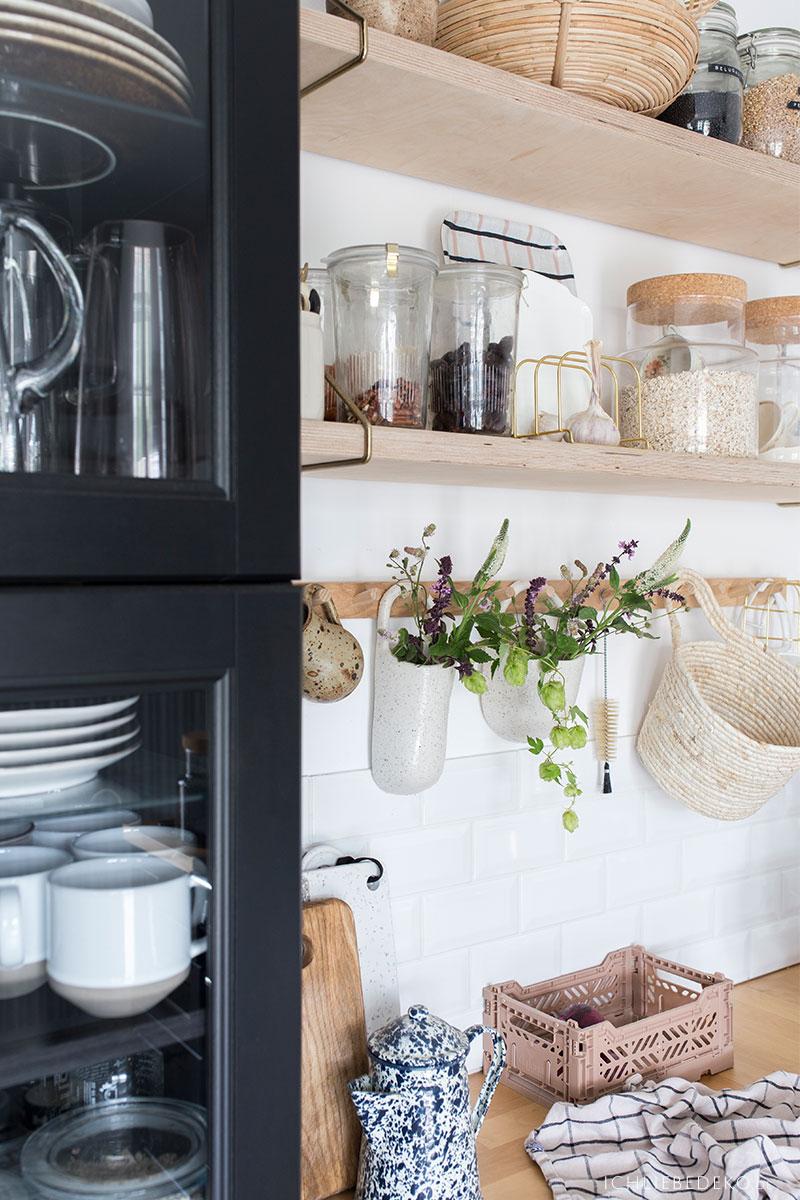 Küche mit Vasen dekorieren