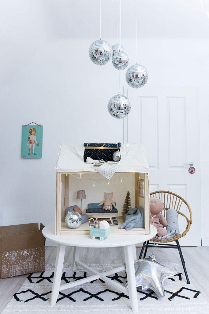 großes Maileg Puppenhaus als Weihnachtsgeschenk