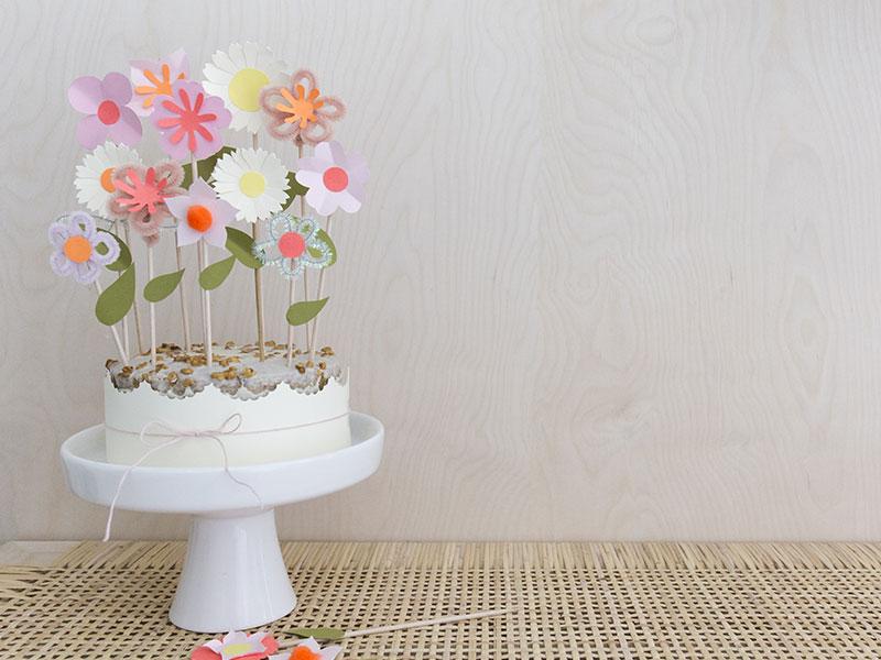 selbst-gebastelte-papierblumen