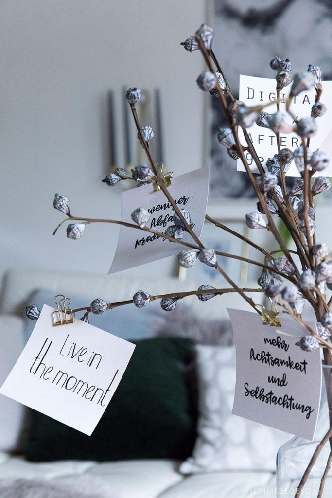 Dekoration nach Weihnachten mit Eukalyptuskapseln