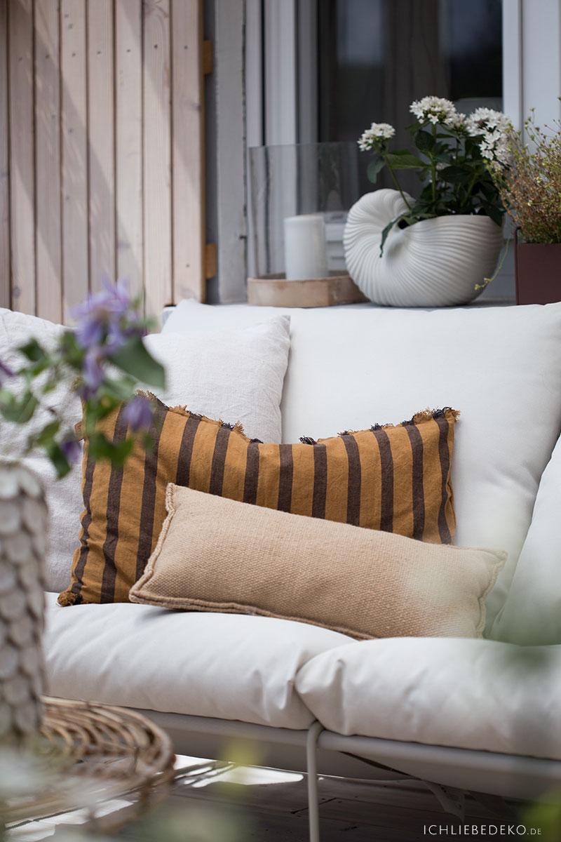 terrasse-mit-textilien-dekorieren