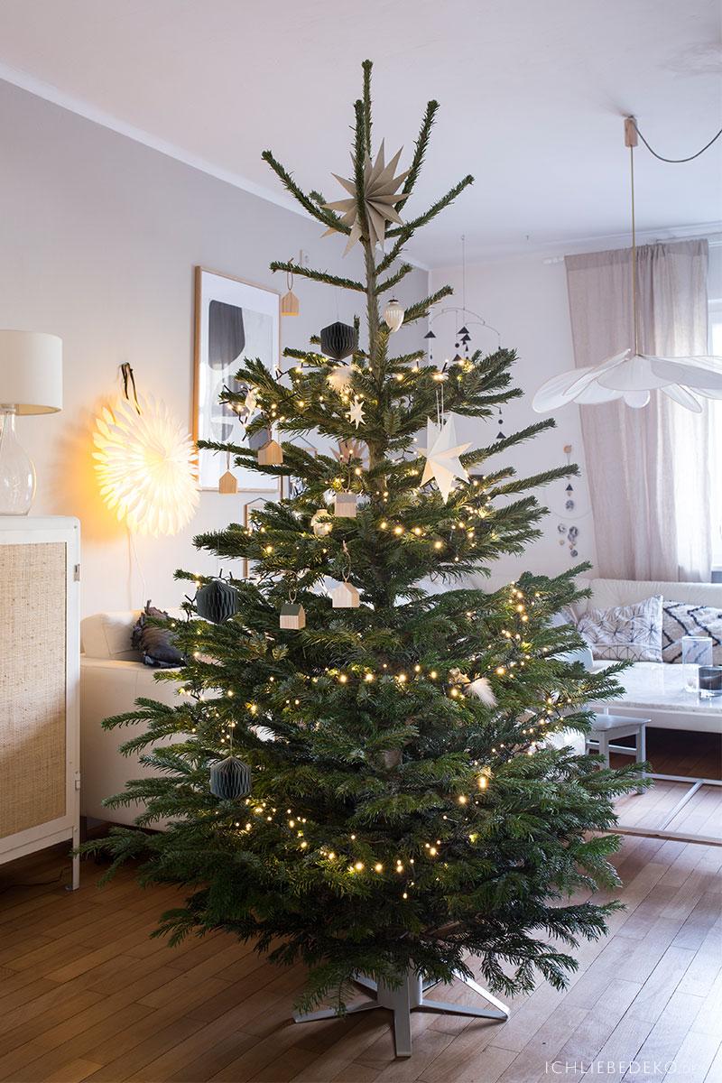 toom-fair-trees-weihnachtsbaum