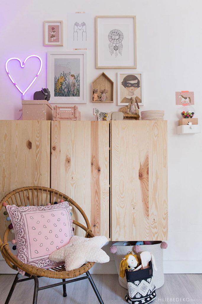 trendy Mädchenzimmer mit IVAR Schränken