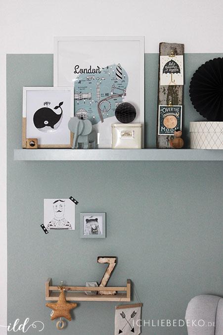 wanddekoration-im-babyzimmer-in-vintage-gruen