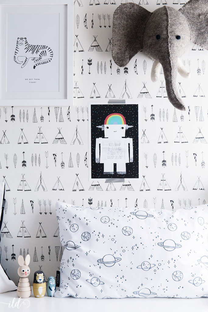 wandgestaltung-mmit-postern-im-monochrome-look