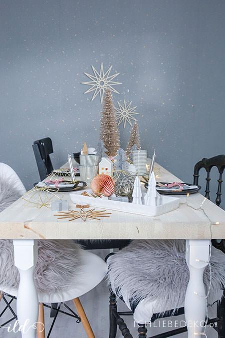 weihnachtliche-tischdekoration-im-skandinavischen-look