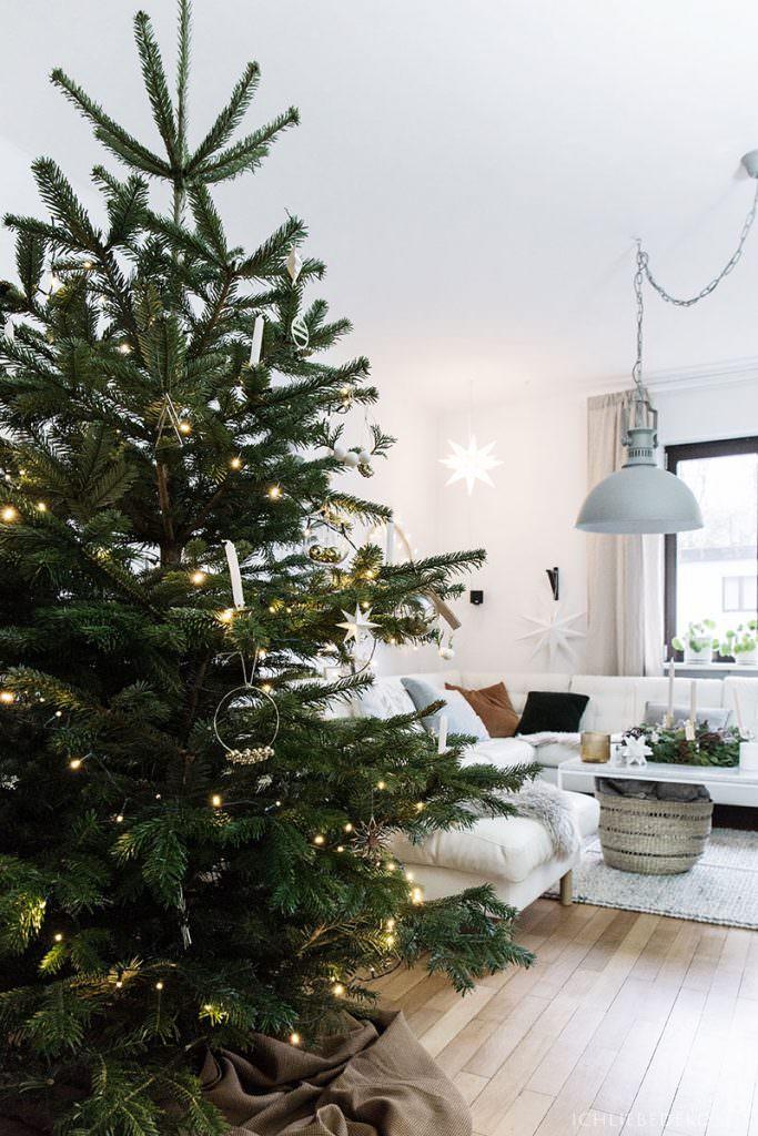 Weihnachtsbaum im Nordic Stil