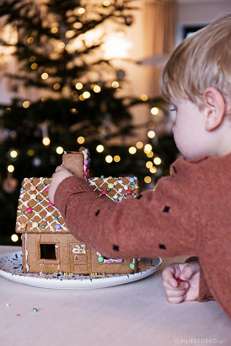 weihnachtstraditionen-mit-kindern