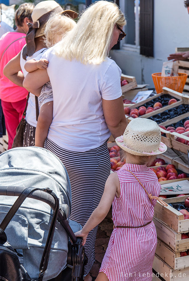 wochenmarkt-in-barbotan-en-terme-frankreich