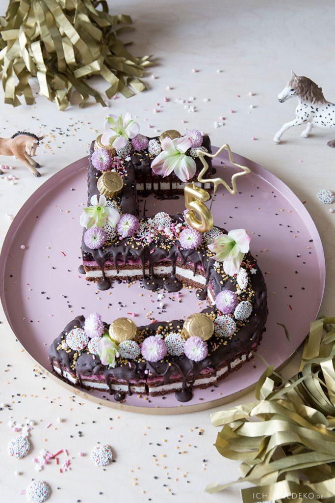 zahlenkuchen-lettercake-5-mit-blumen